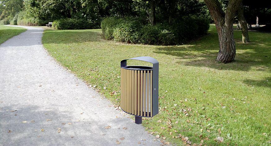 Abfallbehälter LENA mit Ascher, 70 Liter, mit Standfuß zum Aufdübeln, Korpus: Robinienholzbelattung, Stahlteile in RAL 7016 anthrazitgrau