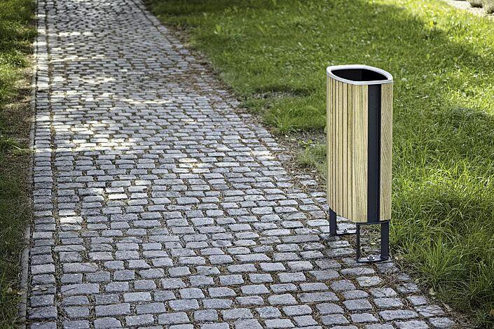 Abfalbehälter MINIUM mit seitlichen Pfosten zum Aufdübeln, mit Robinienholzbelattung, Stahlteile in RAL 7016 anthrazitgrau