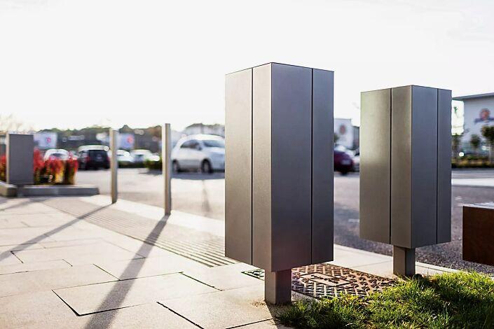Abfallbehälter NANUK, Korpus: Edelstahlblech, Stahlteile in RAL 9007 graualuminium