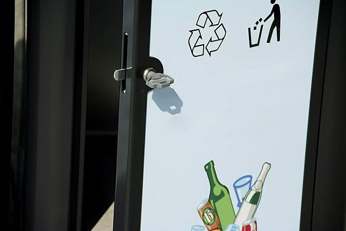 Abfallbehälter SQUARE in Sonderausführung auf Anfrage (Korpus mit Alu-Dibond auf Kundenwunsch bedruckt)