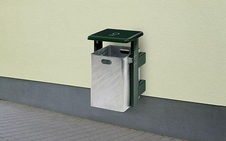 """<div id=""""container"""" class=""""container"""">Abfallbehälter STRATFORD, mit Ascher, Schutzdach und Ständer in RAL 6005 moosgrün, Behälter feuerverzinkt</div>"""