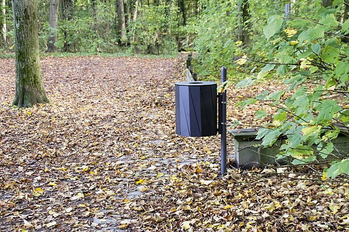 """<div id=""""container"""" class=""""container"""">Abfallbehälter TENBY zur Pfostenbefestigung (Pfosten Zubehör), 50 Liter, in RAL 7016 anthrazitgrau</div>"""