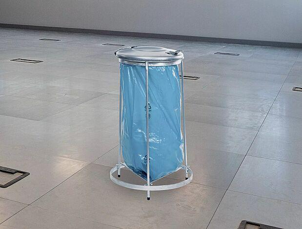 """<div id=""""container"""" class=""""container"""">Abfallsackhalter BENONI mit Bodengitter (Zubehör)</div>"""