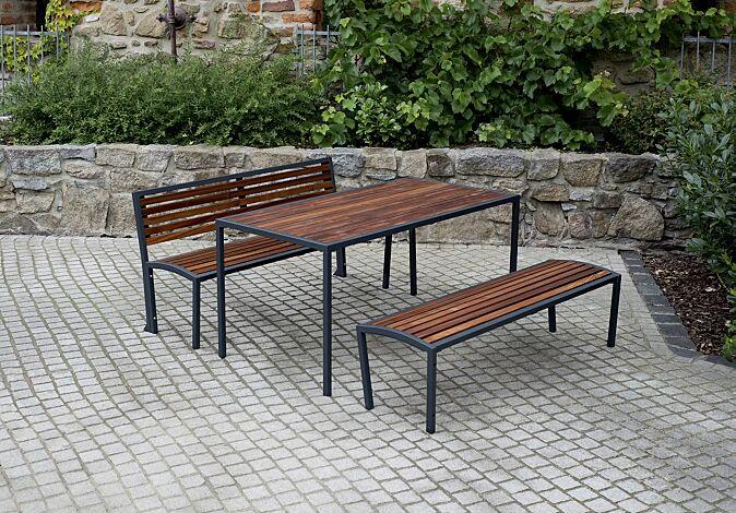 Bank-Tisch-Kombination CAMILLA mit Sapeliholzbelattung, bestehend aus einem Tisch, Sitzbank mit und ohne Rückenlehne, Stahlteile in RAL 7016 anthrazitgrau