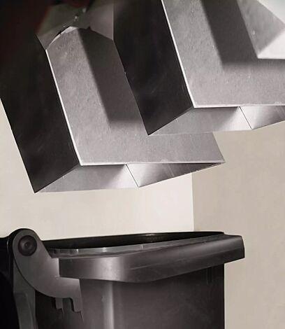 Detail: Schüttkanal für 24 0L-Abfallgroßbehälter (optional gegen Mehrpreis)