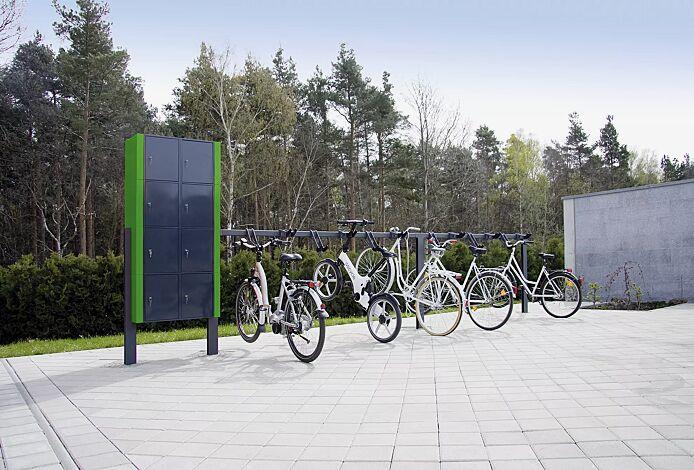 Design-Lenkerhaltesystem UNIT einseitig, 12 Stellplätze, mit Sicherungsseil (Zubehör), in RAL 7016 anthrazitgrau, mit Schließfachanlage