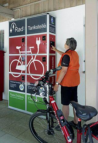 E-Bike-Ladestellenschrank AMARO mit 6 großen Schließfächern, Zugang mittels PIN-Autorisierung, Druck und Beklebung mit Werbefolie (Mehrpreis)