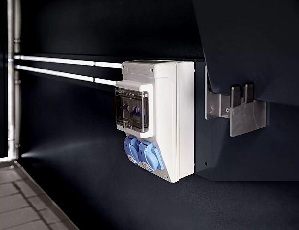 Detail: optional mit E-Bike-Ladevorrichtung und Ablage für Ladegerät