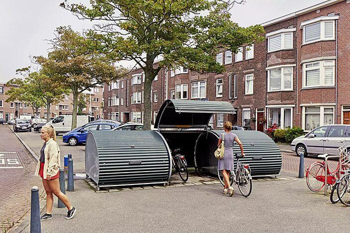 Fahrradgarage MULTI-BIKE-BOX, Wellblech in RAL 6009 tannengrün, Seitenteile aus Streckmetallgitter