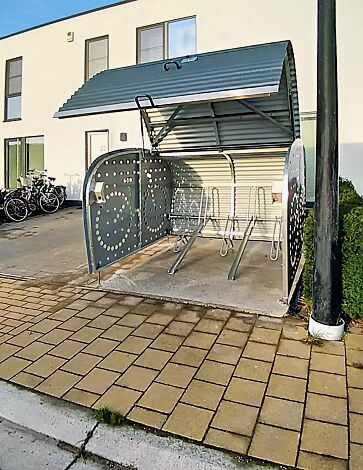 Fahrradgarage VELO-BOXX®-Professional inklusive Einbau-Fahrradständer, Tief/Hoch-Einstellung, mit Klappflügeltür aus Wellblech in RAL 7016 anthrazitgrau, Seitenwände in RAL 7004 signalgrau