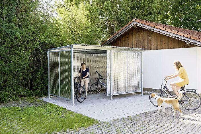 Fahrradhaus FORTUNA, für 8 Fahrradständer, Dachbreite x Dachtiefe 4200 mm x 2500 mm, Dacheindeckung Stahlwellblech, Wände Aluminiumlochblech