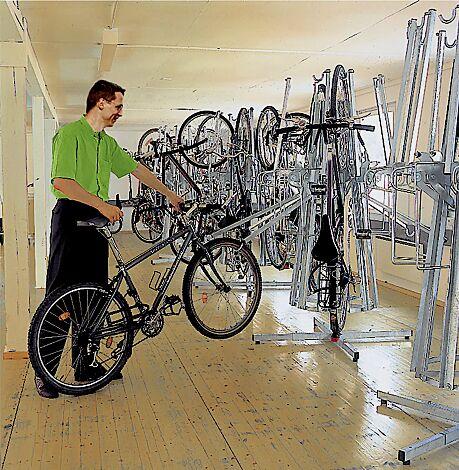 Fahrradpark-Karussell YORO im Innenbereich