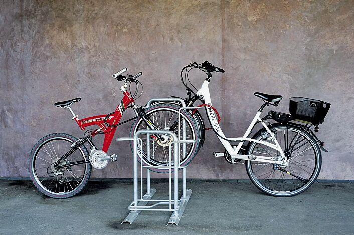 Fahrradparker MISSOURI-LIGHT doppelseitig 90°, tief / hoch, zum Aufdübeln bei +/- 0 mm, 4 Stellplätze, feuerverzinkt