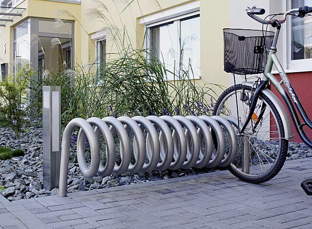 """<div id=""""container"""" class=""""container"""">Fahrradständer DESIGN-PARKER zum Einbetonieren, Edelstahl</div>"""
