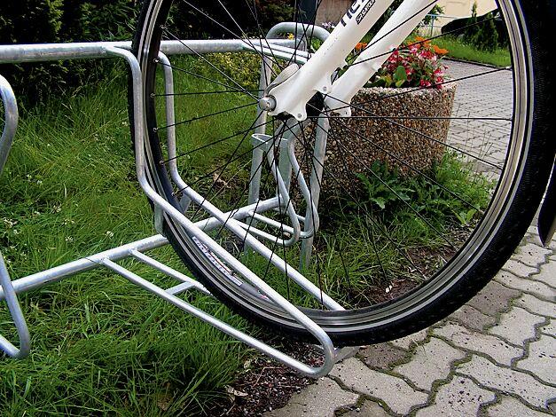 Fahrradständer MADISON, zum Einbetonieren, 5 Stellplätze