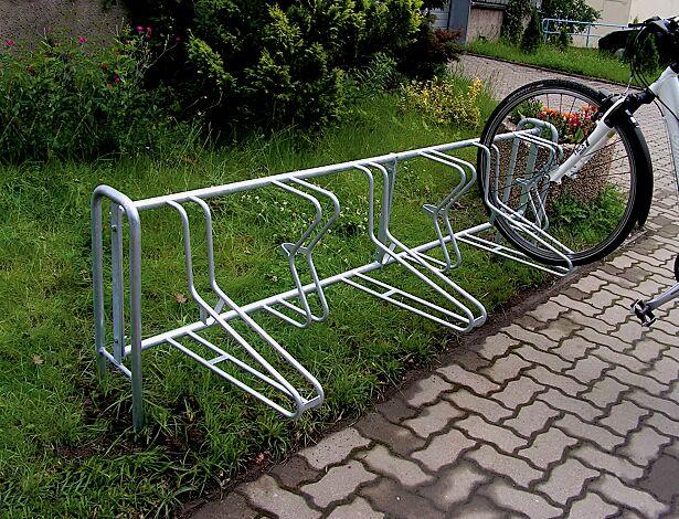 """<div id=""""container"""" class=""""container"""">Fahrradständer MADISON, zum Einbetonieren, 6 Stellplätze</div>"""
