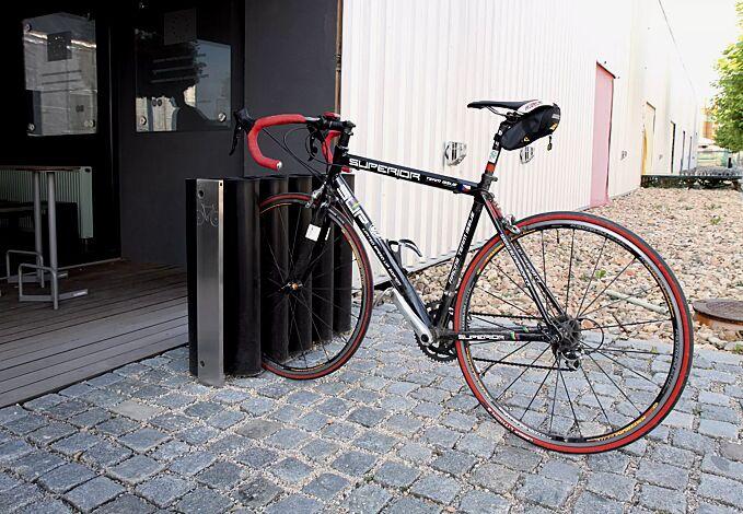 Fahrradständer MEANDRE, Edelstahl