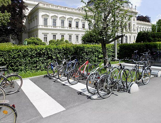 Fahrradständer RICCIO mit Betonsockel, feuerverzinkt