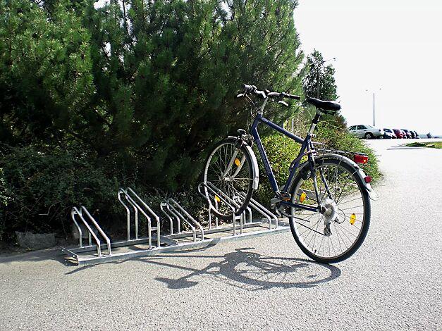 Fahrradständer UNIVERSAL einseitig 90°, 5 Stellplätze, feuerverzinkt