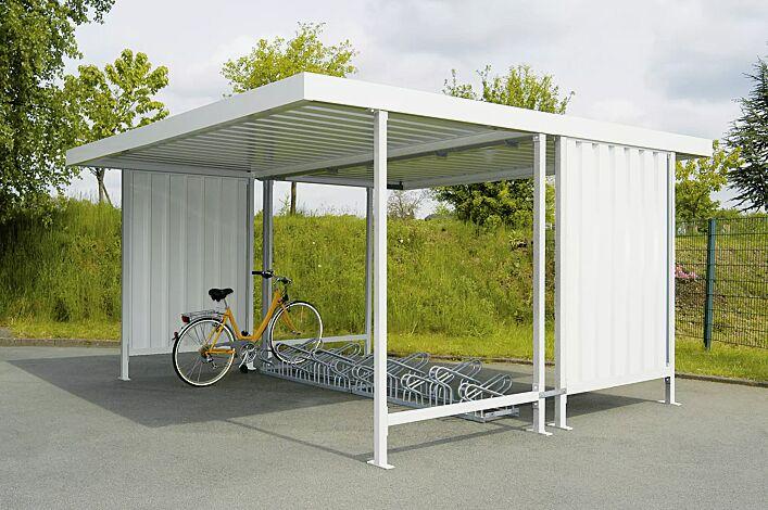 Fahrradüberdachung ARIES, doppelseitig, Dachbreite x Dachtiefe 4390 mm x 4400 mm, je eine Seitenwand links / rechts, mit Fahrradständer UNIVERSAL, Stahlkonstruktion in RAL 9002 grauweiß