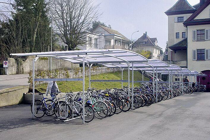 Fahrradüberdachung BWA bausystem®, auftragsbezogene Anpassung, Dachbreite x Dachtiefe 29800 mm x 4200 mm, Fahrradständer MISSOURI, Stahlkonstruktion feuerverzinkt