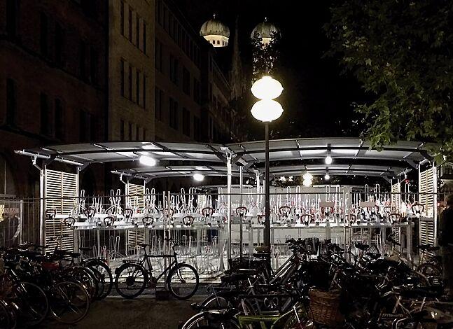 Fahrradüberdachung BWA bausystem® für Doppelstock-Fahrradparksysteme (bauseits), 2 Anlagen, Dachbreite x Dachtiefe 10000 mm x 4200 mm, Dacheindeckung Stahlwellblech, Dachrinne und Beleuchtung (Mehrpreis), Stahlkonstruktion feuerverzinkt