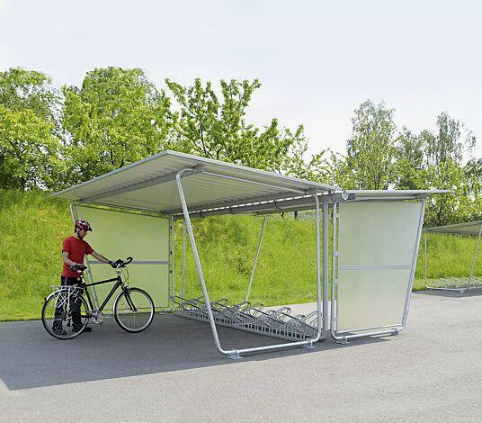 Fahrradüberdachung INDUS, Dachbreite x Dachtiefe 4800 mm x 4660 mm, doppelseitig, mit Seitenwänden sowie Fahrradständer UNIVERSAL, Stahlkonstruktion feuerverzinkt