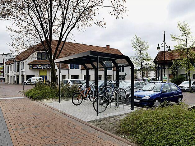 Fahrradüberdachung SATURN, Dachbreite x Dachtiefe 4060 mm x 2300 mm, mit Rück- und Seitenwänden aus ESG, Klarglas, mit Fahrradparker MISSOURI, Stahlkonstruktion in RAL 7016 anthrazitgrau
