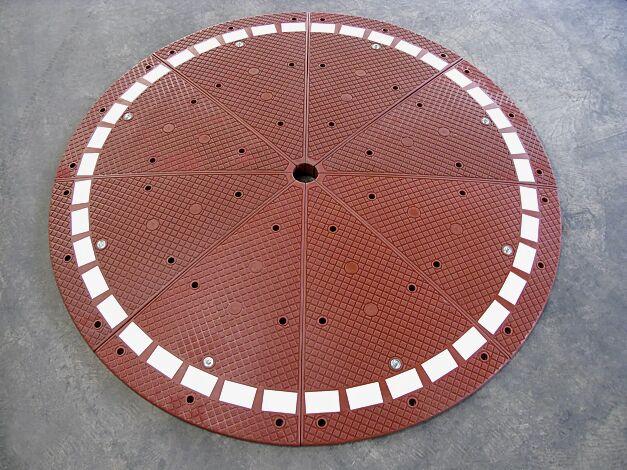 Kreisverkehr MINI in rotbraun