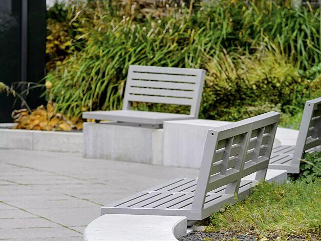 Mauerauflage LIGURIA mit Rückenlehne in RAL 9007 graualuminium