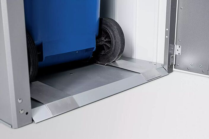 Detail: Boden mit Positionshilfe für Mülltonnenräder