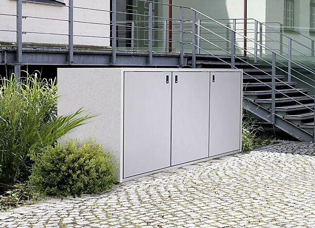 """<div id=""""container"""" class=""""container"""">Müllbehälter-Dreifachschrank DUNDEE, Korpus Sichtbeton, Türen in weißaluminium ähnlich RAL 9006</div>"""