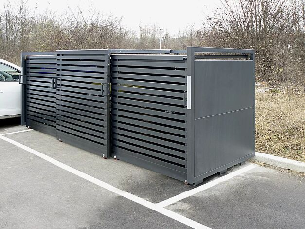 Müllbehälter-Dreifachschrank® STYLEOUT® LINIS 1100, Stahlkonstruktion, Tür, Rück- und Seitenwände in RAL 7011 eisengrau, Dach in Aluminium eloxiert