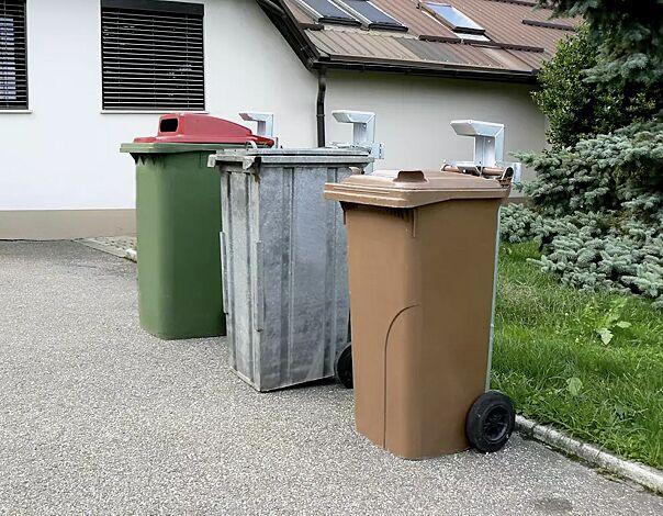 <p>Mülltonensäule FIXOUT, feuerverzinkt, zum Aufdübeln</p>