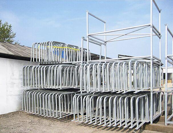 zusammenlegbares und stapelbares Fahrradparksystem - für eine effiziente Lagerung und Transport