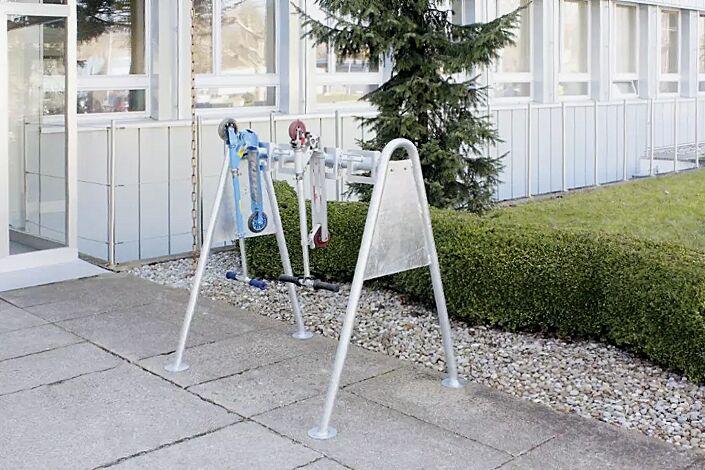 Scooter-Parker CHARLOTTE mit 2 Stück Freiständerkonsolen (Mehrpreis)
