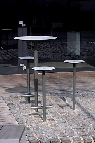 3 Barhocker und Stehtisch BISTROT mit HPL-Auflage in weiß, Stahlteile in RAL 9007 graualuminium
