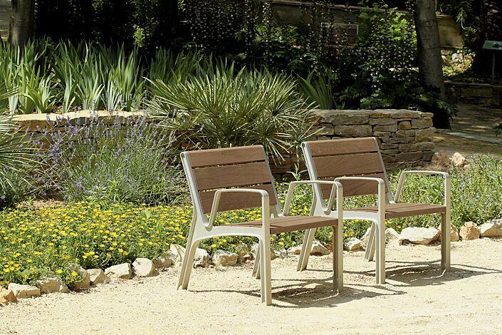 Sitz MIELA mit Rückenlehne und Armlehnen, mit Jatobaholzbelattung