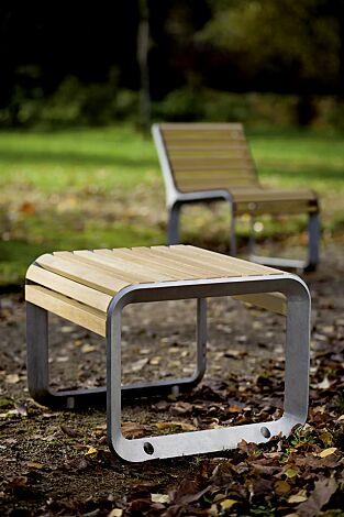 Sitz PORTIQOA mit und ohne Rückenlehne, mit Robinienholzbelattung