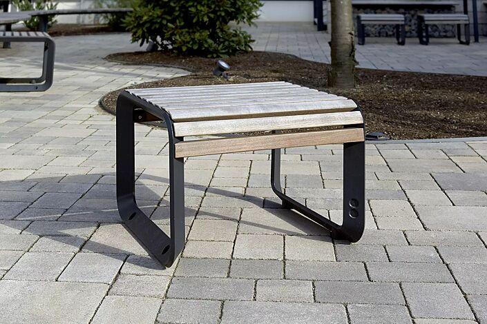 Sitz PORTIQOA ohne Rückenlehne, mit Jatobaholzbelattung, Aluminiumguss in RAL 7016 anthrazitgrau (auf Anfrage)