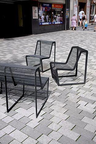 Sitzbank und Sitz LIMPIDO mit Rückenlehne, in RAL 9005 tiefschwarz