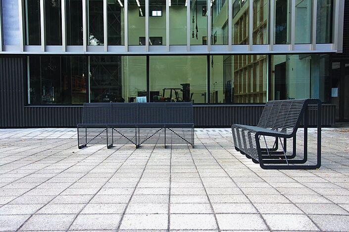 Sitzbänke LIMPIDO mit Rückenlehne, in RAL 7016 anthrazitgrau