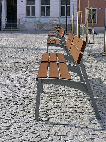 Sitz VERA mit Rückenlehne, mit Jatobaholzbelattung, Stahlteile in DB 703 eisenglimmer