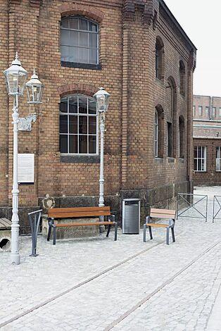 Kollektion BASIC bestehend aus Sitzbank, Sitz, Abfallbehälter, Anlehnbügel und Geländersystem