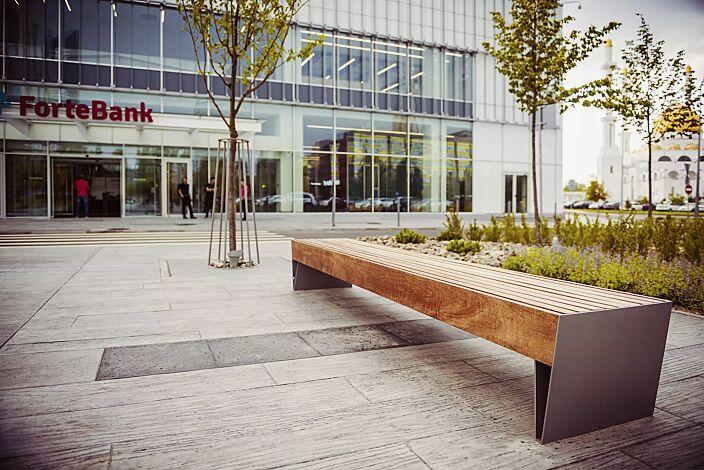 Sitzbank BLOCQ ohne Rückenlehne, mit Jatobaholzbelattung, Stahlteile in DB 703 eisenglimmer