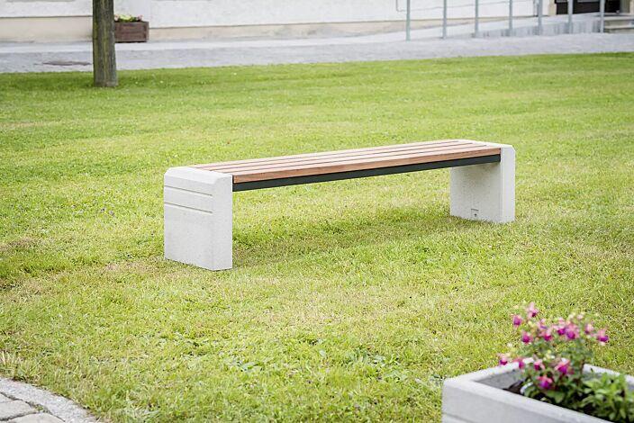 Sitzbank BRNO ohne Rückenlehne, Stahlteile in RAL 7021 schwarzgrau