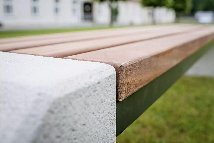 Detail: Holzbelattung
