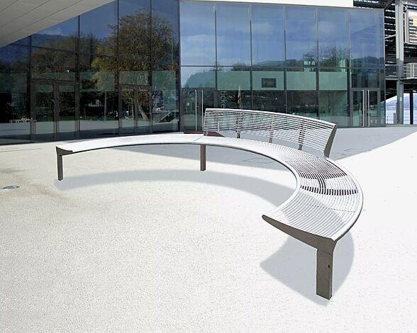 Sitzbank-Kombination CARPI, bestehend aus 2 Stück ohne Rückenlehne, 1 Stück mit Rückenlehne, gebogen, Bankform Innenradius