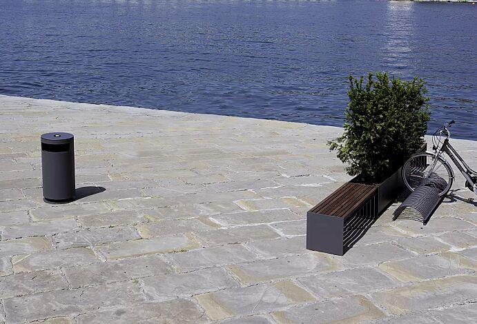 Sitzbank CIMA mit Holzbelattung, ohne Rückenlehne, Stahlteile in RAL 7016 anthrazitgrau