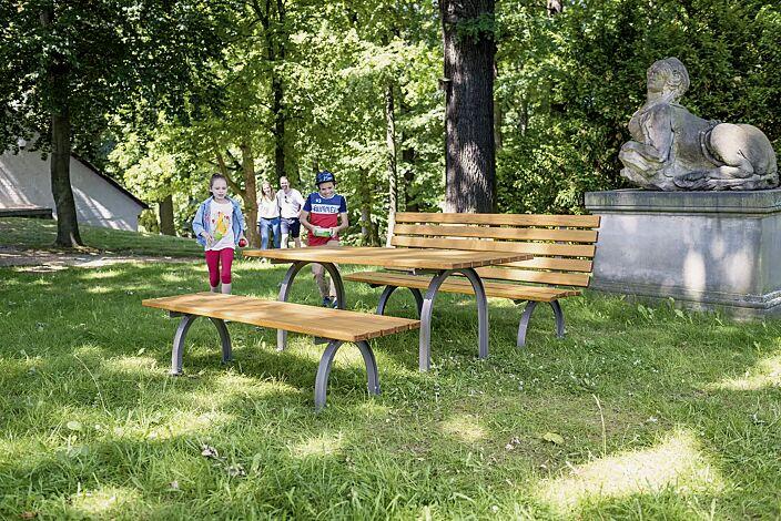 Sitzbank ELBA mit und ohne Rückenlehne, mit Escheholzbelattung sowie Tisch ELBA